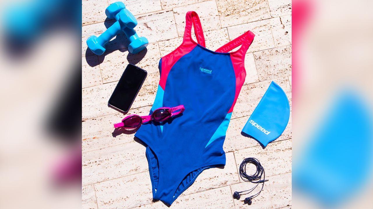 equipamiento de natacion